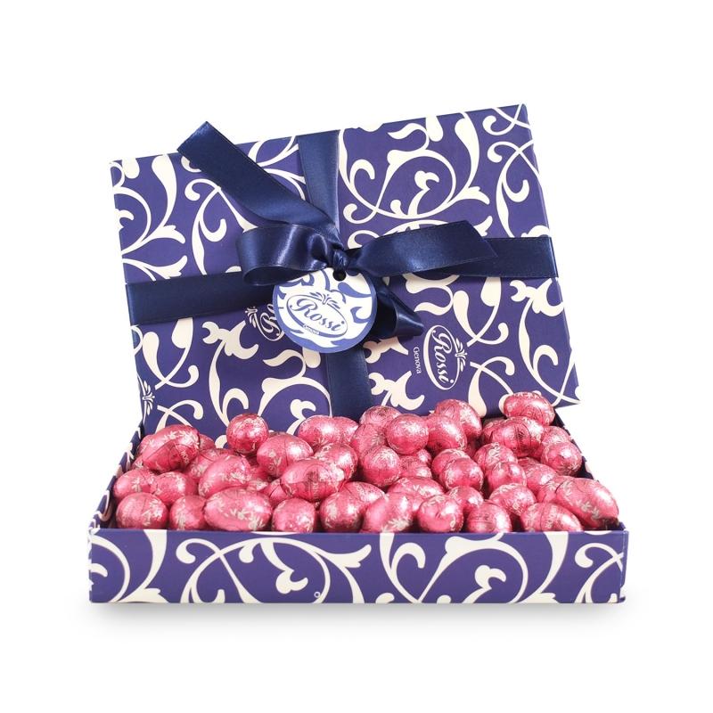Oeufs Lindt au chocolat blanc et aux fraises fourrés à la crème - Scatola 500gr