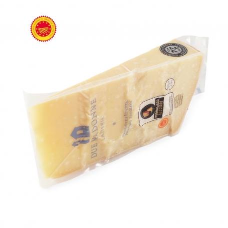 Parmigiano Reggiano DOP, stagionato 36 mesi - Caseificio Superchina 700 gr - Il Parmigiano Reggiano