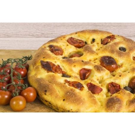 Focaccia pugliese con pomodori e olive, 500 gr