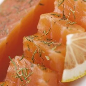 Coeur de filet de saumon fumé aromatisé à l'aneth et de la truffe, 150 gr - Carpier